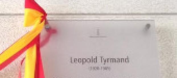 Odsłonięcie tablicy wpasażu imienia Leopolda Tyrmanda