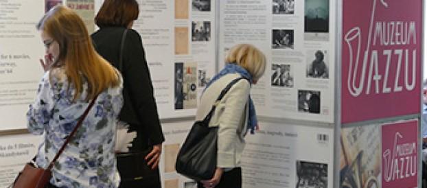 Edukacyjne wystawymobilne <br>– zamówwystawę MuzeumJazzu <br>– zamów projekt i wykonanie własnej wystawy