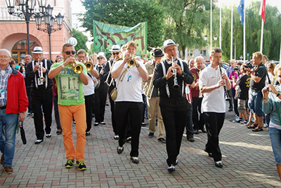 Parada w drodze do Amfiteatru - fot. A