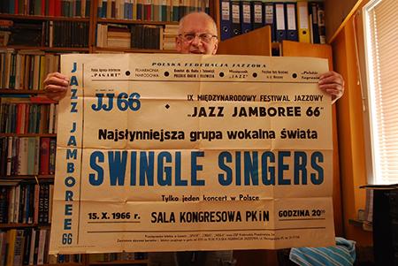J. Reich prezentuje swoje zbiory (fot. A. Mikulski)
